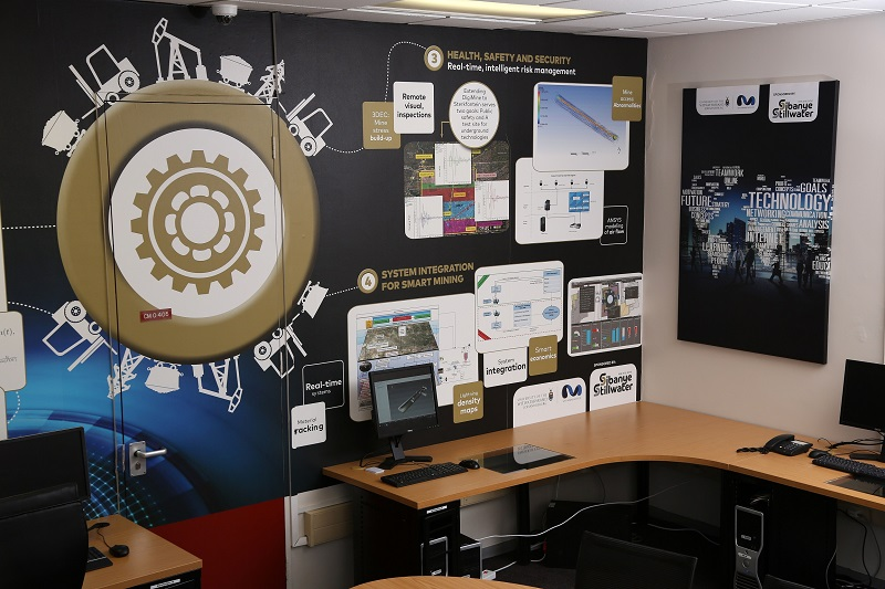 The Wits Mining Institute (WMI) at the University of the Witwatersrand in South Africa, together with mining company Sibanye-Stillwater, has launched the Sibanye-Stillwater Digital Mining Laboratory (DigiMine). In picture is the Wits DigiMine control room.