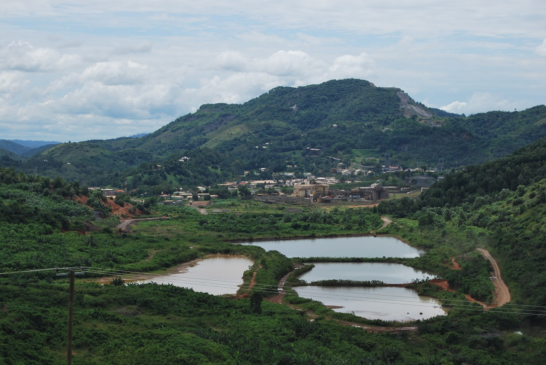 Most of the gold operations in Ghana have been developed in the south, where the vegetation is dominated by tropical rainforest. Image credit: Nicola Theunissen