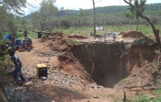 Illegal miners in Zimbabwe are putting their lives at risk by mining old historical mines. Image credit: Nicolaas C Steenkamp