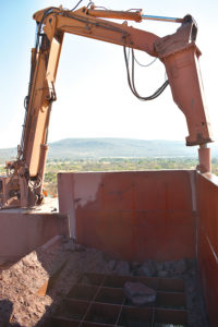 Nokeng is currently mining and crushing ore from the Plattekop deposit, west of the processing plant.
