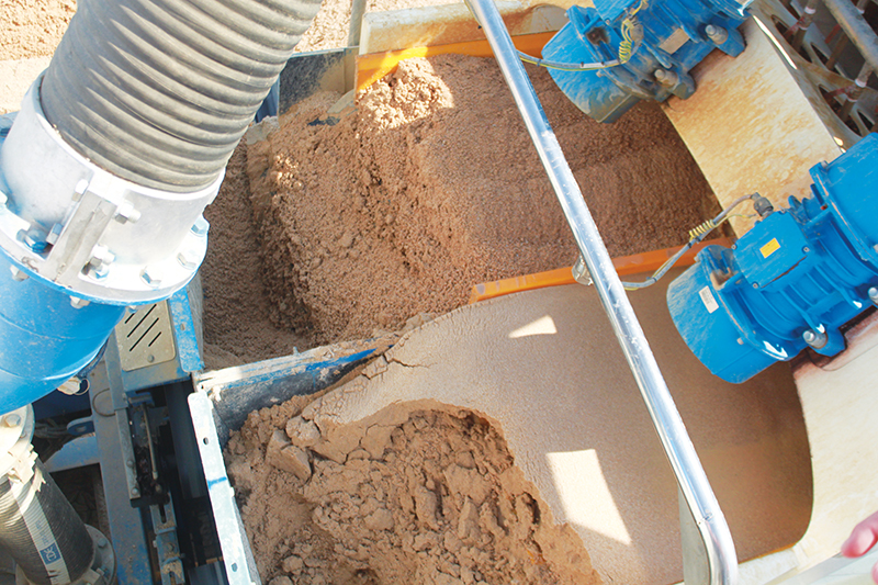 The different kinds of materials that come out of the machine. River sand and plaster sands are produced simultaneously.