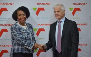 Kalagadi's Daphne Mashile-Nkosi and Transnet chief customer officer, Mike Fannuchi. Image credit: Kalagadi Manganese