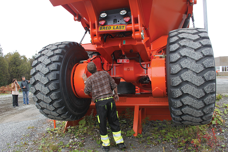 Mining equipment made by different original equipment manufacturers (OEMs) each has its specific lubrication requirements.