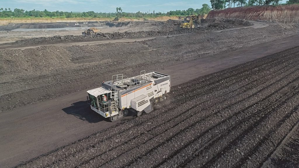 Wirtgen SA's surface miner has been slow to gain a foothold in South Africa. Image credit: Wirtgen SA